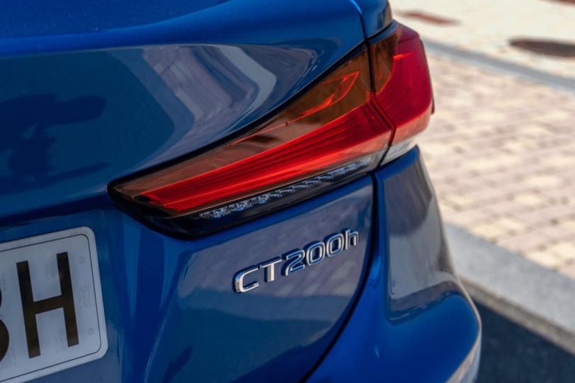 Logo CT200h Lexus CT 200h 1260x840 - Prueba Lexus CT 200h 2019: Un compacto híbrido de lujo