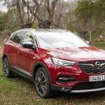 Frontal lateral derecho Opel Grandland X Hybrid4 scaled - inicio