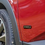 Logo Hybrid4 puertas Opel Grandland X Hybrid4 scaled - Prueba Opel Grandland X Hybrid4 2020: 300 CV y 59 km de autonomía eléctrica