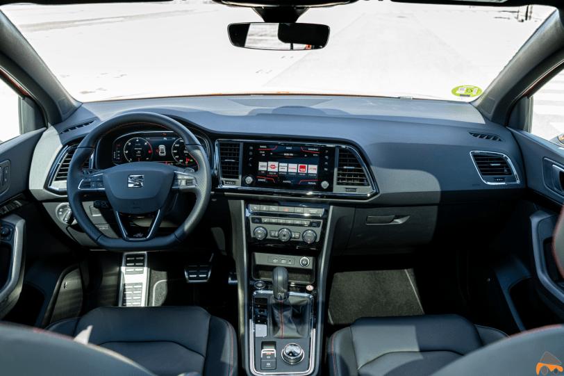 Salpicadero vista frontal Seat Ateca FR TDI 1260x840 - Prueba Seat Ateca FR 2.0 TDI 190 CV DSG 4Drive: La versión más potente del SUV español