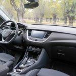 Salpicadero vista trasera derecha Opel Grandland X Hybrid4 scaled - Prueba Opel Grandland X Hybrid4 2020: 300 CV y 59 km de autonomía eléctrica