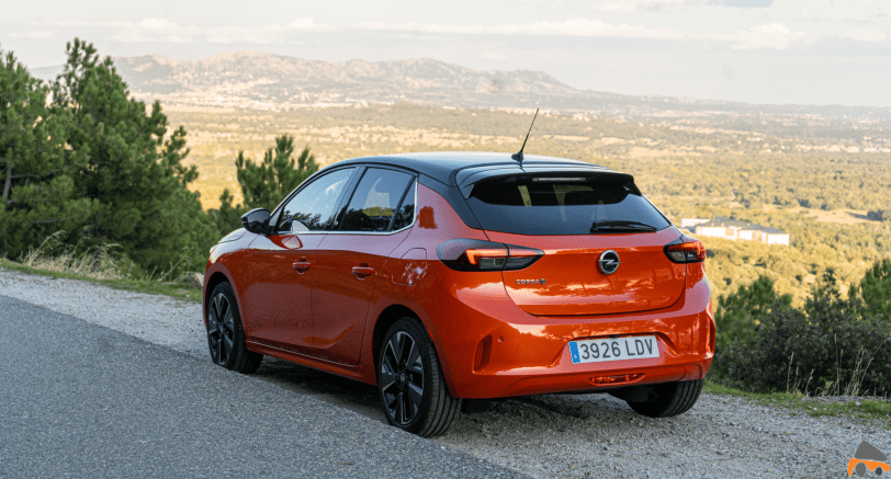 Trasera lateral izquierdo Opel Corsa e - Prueba Opel Corsa-e 2020: El primer coche eléctrico de Opel tiene 136 CV y 280 km reales de autonomía