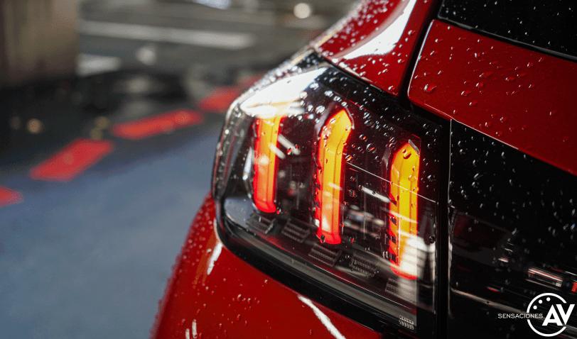 Faro trasero izquierdo Peugeot e 208 - Prueba del Peugeot e-208 GT 2020: Un eléctrico con mucho carácter