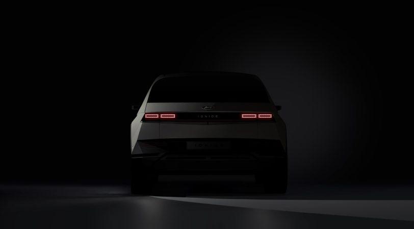 210108 IONIQ5 Teaser Rear scaled - Hyundai Ioniq 5: Primeras imágenes