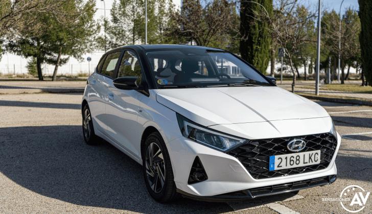 Frontal lateral derecho 2 Hyundai i20 - Prueba Hyundai i20 2021: ¿Evolución o revolución?
