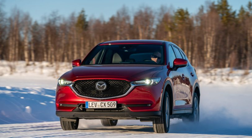 2019 Mazda CX 5 Epic Drive Action 12 scaled e1612205441494 - ¿Mazda CX-5 con desconexión de cilindros o sin ello?