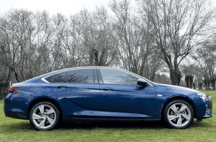 Lateral derecho Opel Insignia 2021 - Prueba Opel Insignia 2021 GS Line 2.0T 200 CV: Listo para dar caña