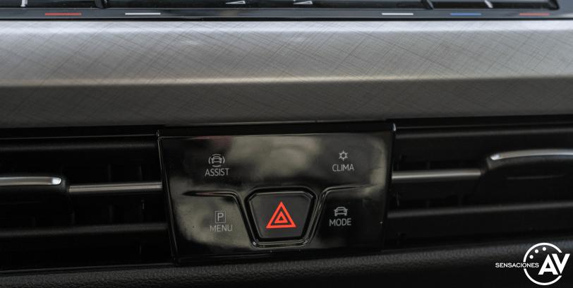 Mandos centrales Volkswagen Golf 8 - Prueba Volkswagen Golf 8 1.5 eTSI 150 CV: ¿El rey con etiqueta ECO?