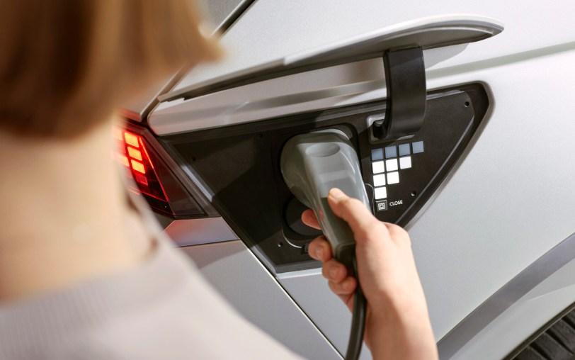 hyundai ioniq 5 launch lifestyle 04 1610 - Hyundai Ioniq 5: 100% eléctrico de hasta 480 km de autonomía