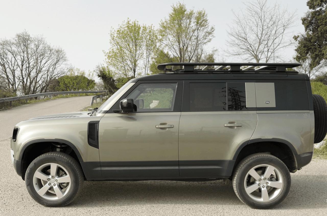 Lateral izquierdo Land Rover Defender 110 - Prueba Land Rover Defender 110: Confort y campo unidos a la perfección