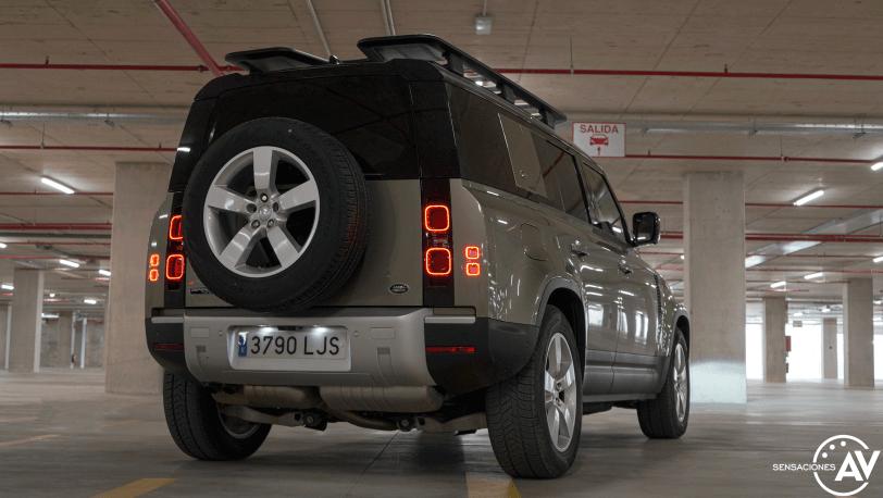 Trasera derecho abajo Land Rover Defender 110 - Prueba Land Rover Defender 110: Confort y campo unidos a la perfección