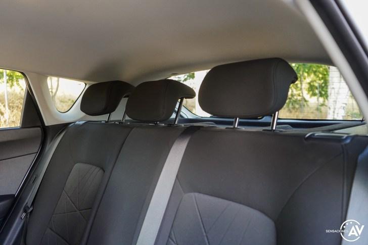 Asientos traseros vista izquierda Hyundai Bayon - Prueba Hyundai Bayon 1.0 TGDi 48 V 100 CV AT Tecno: ¿El nuevo rey del segmento B-SUV?