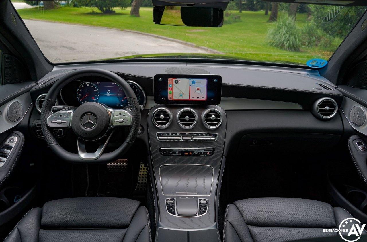 Salpicadero vista frontal Mercedes Benz GLC 300de - Prueba Mercedes-Benz GLC 300de 4Matic: Un SUV familiar, híbrido enchufable y diésel ¿Una buena combinación?