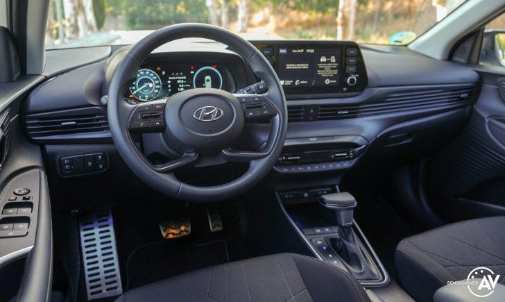 Salpicadero vista trasera izquierda Hyundai Bayon e1628250752237 - Prueba Hyundai Bayon 1.0 TGDi 48 V 100 CV AT Tecno: ¿El nuevo rey del segmento B-SUV?