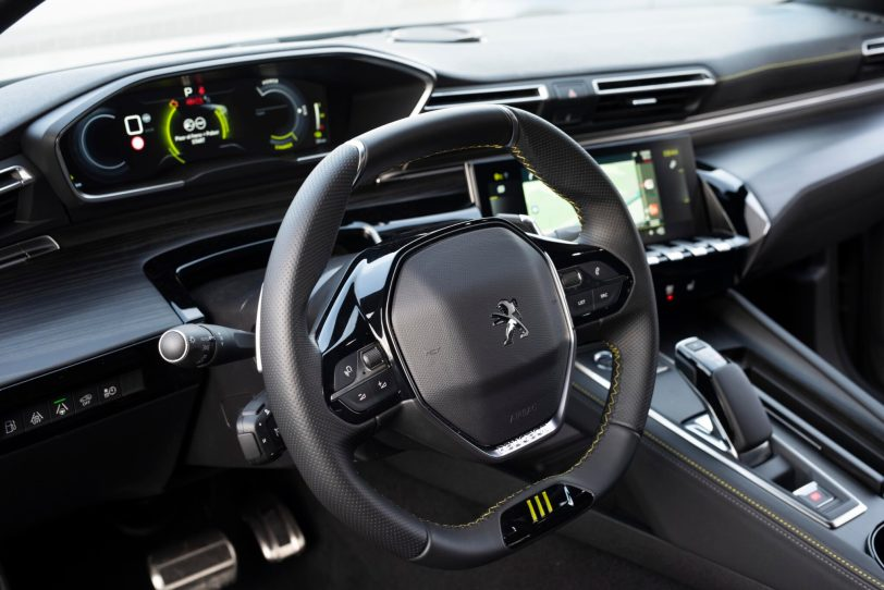 508PSE 01 scaled - Prueba Peugeot 508 PSE: Deportividad enchufable al estilo francés