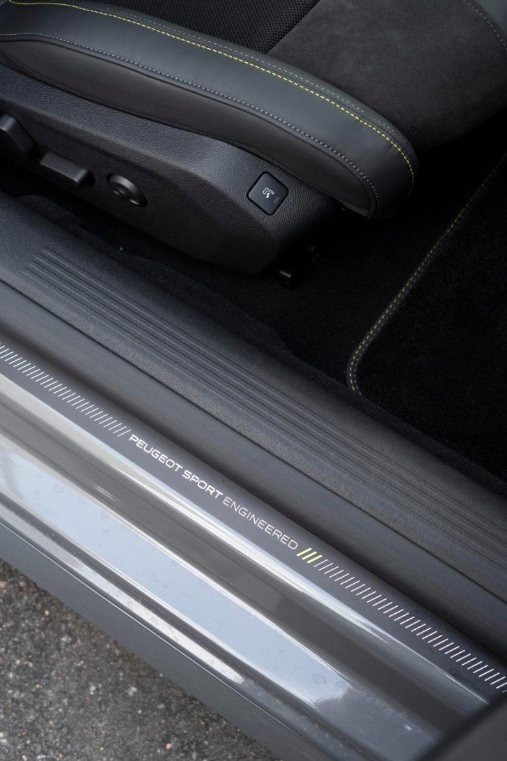 508PSE 12 scaled - Prueba Peugeot 508 PSE: Deportividad enchufable al estilo francés