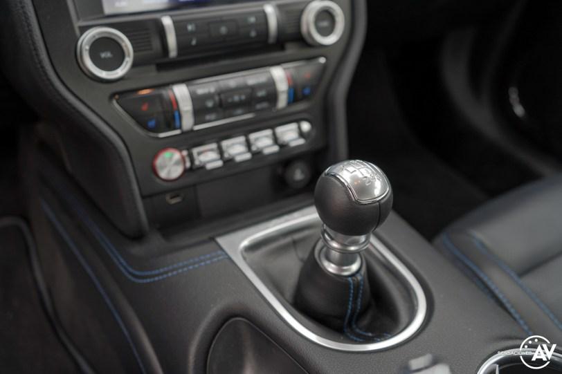 Cambio Ford Mustang - Prueba Ford Mustang GT Fastback 2021: Puro músculo. ¡Que Dios bendiga a América!