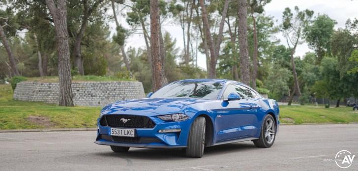 Frontal izquierdo Ford Mustang - Prueba Ford Mustang GT Fastback 2021: Puro músculo. ¡Que Dios bendiga a América!