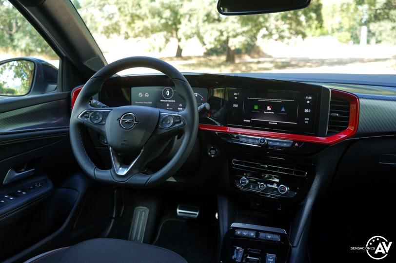 Puesto de conduccion Opel Mokka 2021 - Prueba Opel Mokka 2021: Menos normal, más Mokka