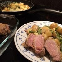 Ich könnte kochen vor Wut... Oh, schon fertig. ;-) Schweinefilet in Senfkruste auf Rahmgemüse #hellofresh #foodporn - via Instagram