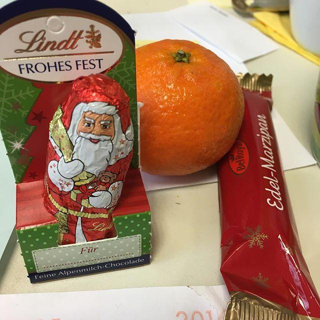 Ich wünsche einen fröhlichen Nikolaustag! Und danke an den Nikolaus vom G40 - via Instagram
