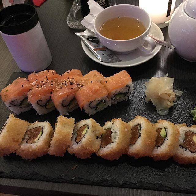 Lecker Sushi! <a rel=