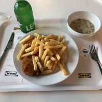 Schnitzel bei IKEA #foodporn - via Instagram