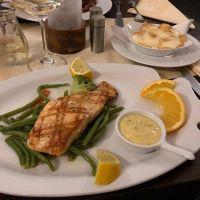 Lecker Lachs beim geilen Griechen #greek #foodporn - via Instagram
