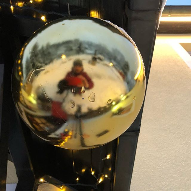 Überall Kugeln... balls everywhere 🤣#weihnachten <a rel=