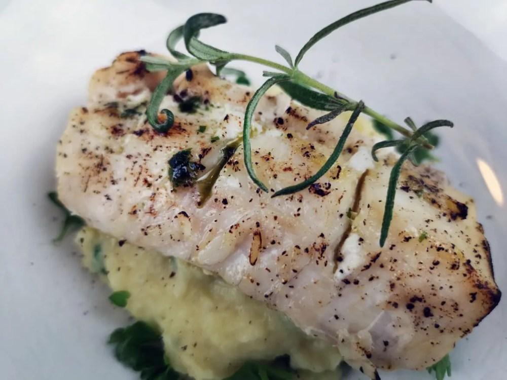 torsk potatis palsternacka pure rosmarin ugnsbakad fisk