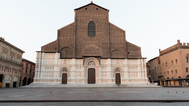 The two faces of the Basilica of San Petronio in Bologna
