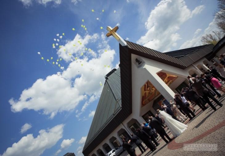 16 Platz Kirchplatz St. Bonifatius Leinefelde Hochzeit Ballons