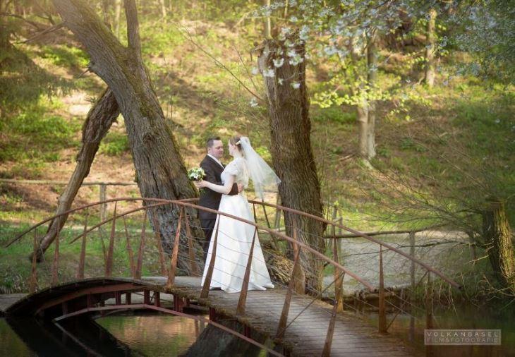 21 Paar Hochzeit Brücke tanzen Volkan Basel