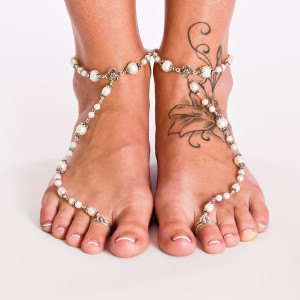 barefoot-sandals-white-wedding