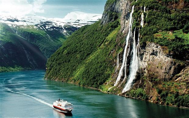 Fiordi norvegia-hurtigruten-3