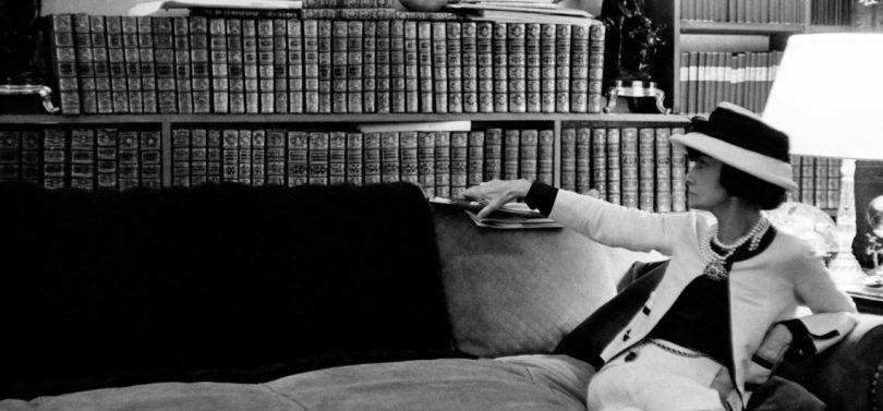 chanel la donna che legge capesaro_galleria_internazionale_darte_moderna