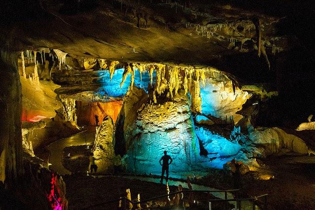 Georgia, il gioiello del Caucaso grotte-di-prometeo