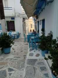 Isola di Tinos strada a Chora