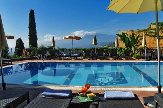 Hotel-Villa-Angela-swimming-pool-1202x800