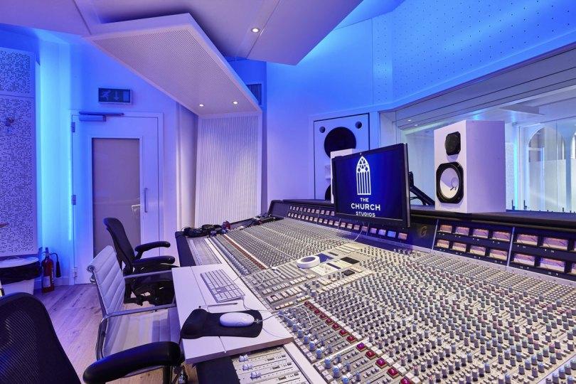 chiesa_Eurythmics_Church_Studios