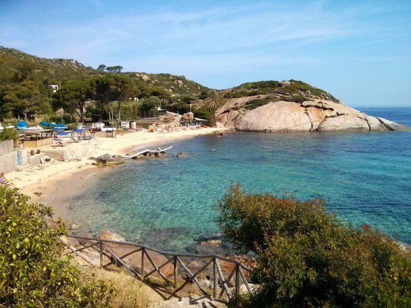 Scoprire l'Isola del Giglio_spiaggia_Arenella