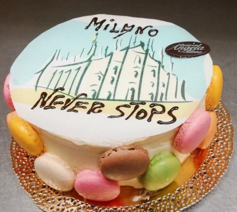 La Pasticceria Angela Milano dedica una torta chantilly alla sua città.