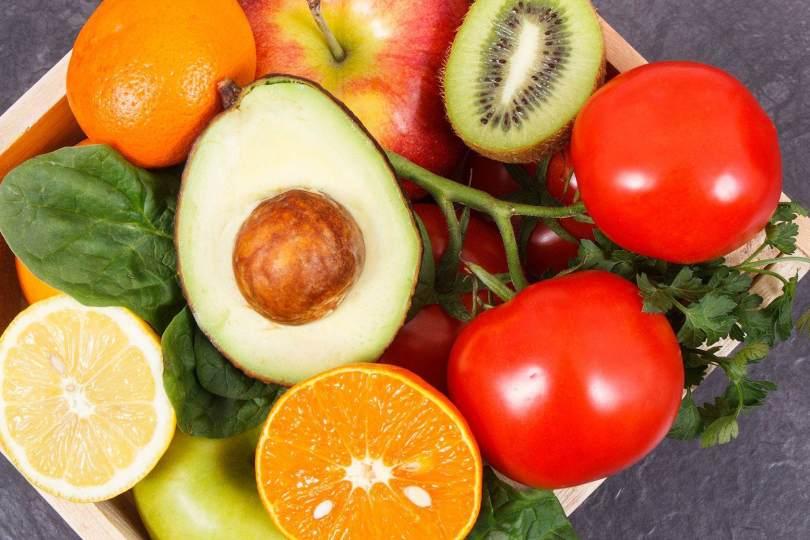 chioma-folta-e-forte-dieta-mediterranea-integratori-e-trattamenti