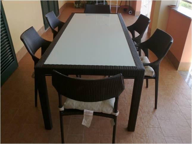 Set di tavolino e sedie in metallo: Sensi Design Tavoli E Sedie Da Giardino