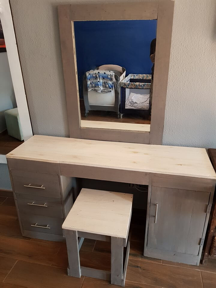 Collection Of Nicely Made Pallet Dressing Table Ideas Sensod