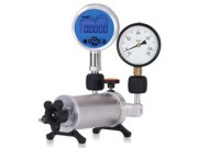 ADT901 low pressure calibration pump with test gauge and DUT