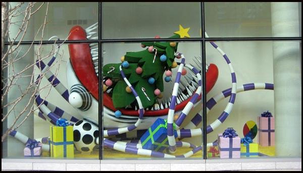 TIM BURTON exhibition, dal MoMA al TIFF. La Creatura di Natale (photo by Ken Turner)