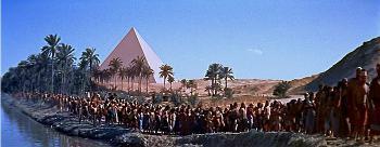Il Cinemascope de La regina delle piramidi, di Howard Hawks