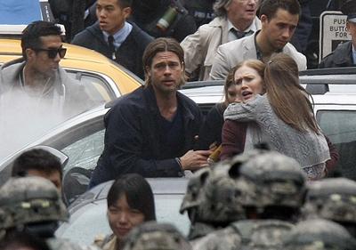 Brad Pitt sul set di WORLD WAR Z di Marc Forster