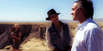 River Phoenix e Jonathan Pryce in DARK BLOOD